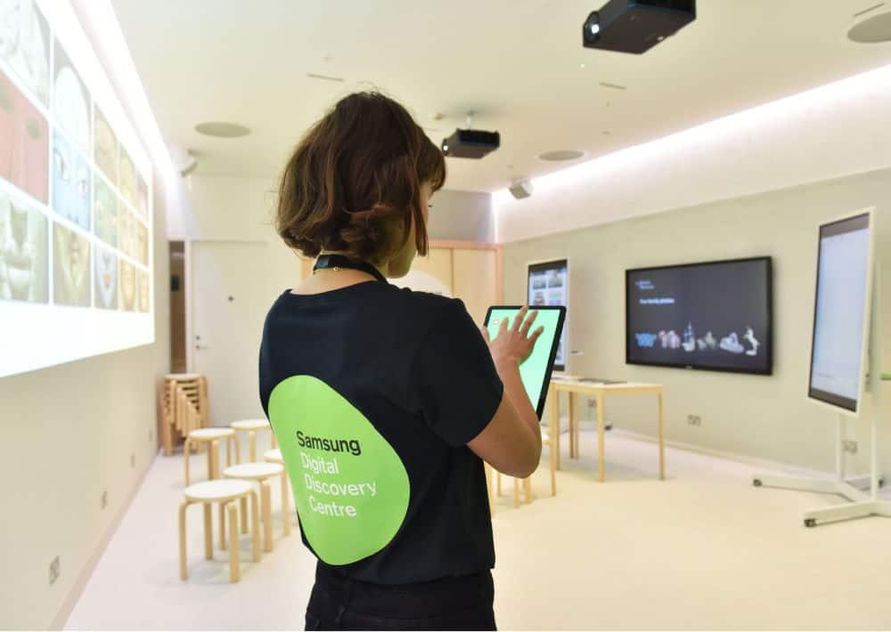 British Museum Samsung Virtual Classrooms Virtual School Trip Ideas